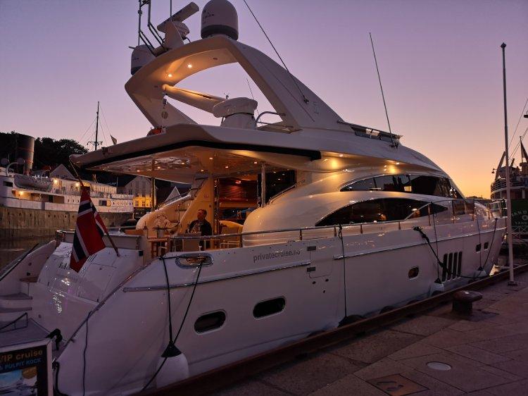 Barolo III i nydelig solnedgang