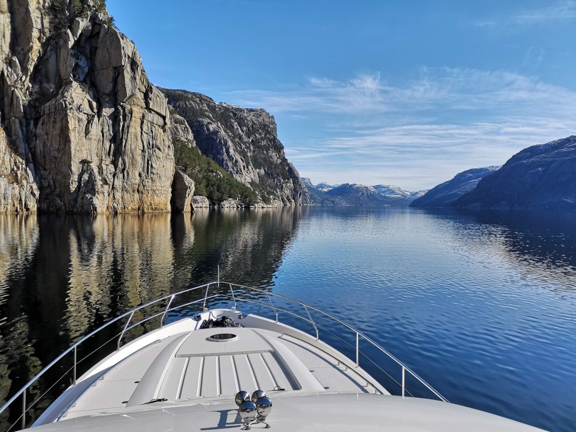 Flott landskap i høst- og vinterhalvåret - Private Cruise